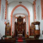 Kirchenschiff mit Blick zum Chor